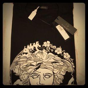 Versace Medusa Print T Shirt 🔥🔥🔥
